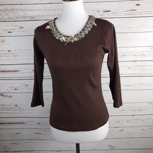 5/$25 SALE! Shell Button Embellished Neckline Top